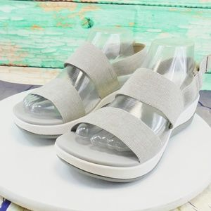 Clarks Cloud Steppers Gray Elastic Straps 8.5 Wide